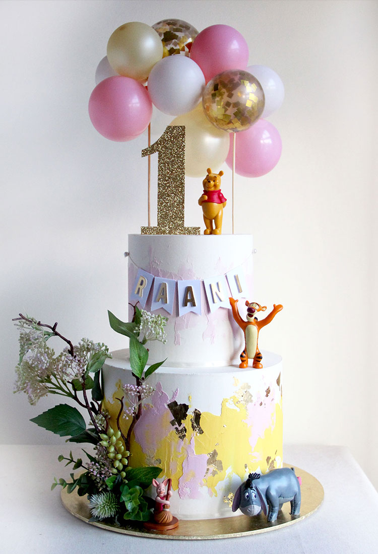 2 Tier Winne the Pooh Birthday Cake